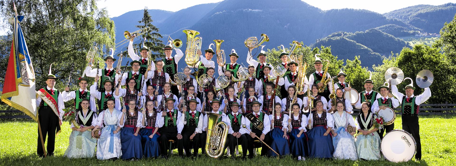 <p>Gruppenfoto der Musikkapelle Afing vom 18. Juni 2017</p>
